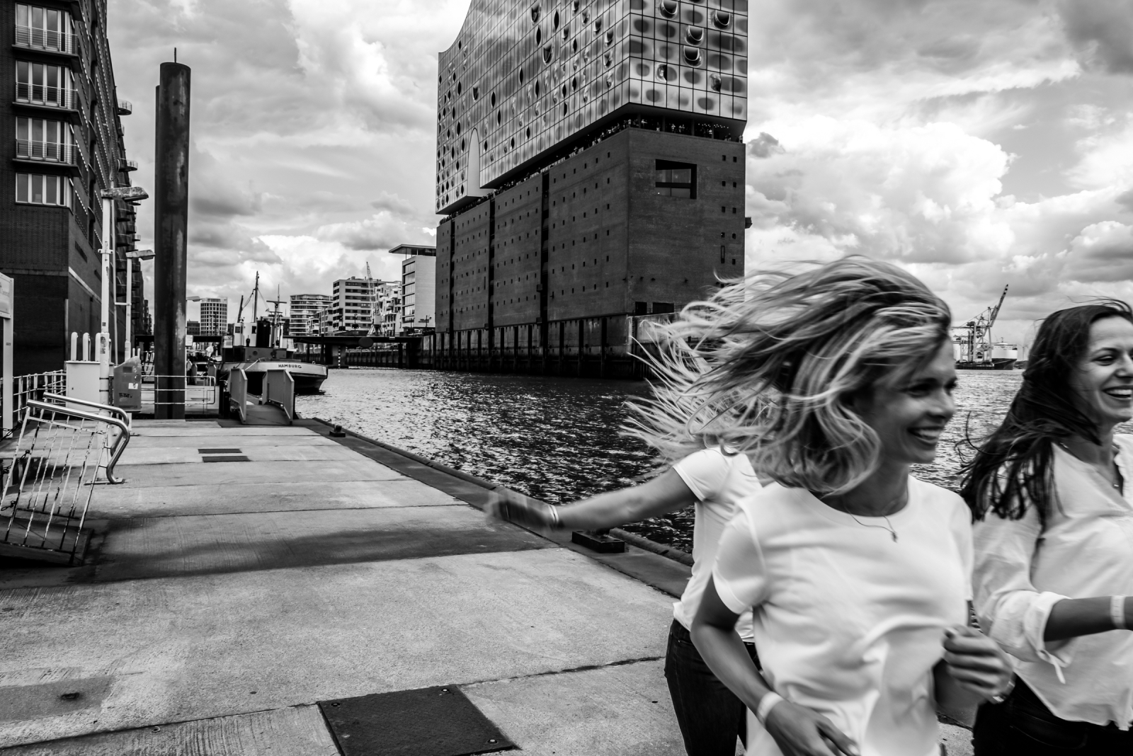Junggesellinnenabschied - Fotoshooting Elbphilharmonie